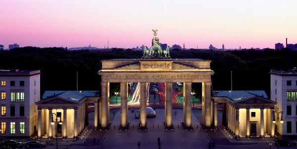 بوابة براندنبورغ في العاصمة الألمانية برلين