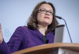 وزيرة العمل والشؤون الاجتماعية الألمانية أندريا نالس