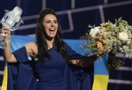 المغنية الأوكرانية جامالا الفائزة بجائزة الأغنية الأوروبية يوروفيجن لهذا العام والتي جرت فعالياتها في العاصمة السويدية استوكهولم