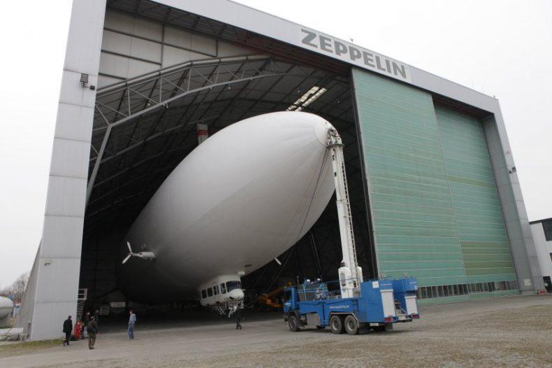 Forscher fahnden mit Zeppelin nach Meereswirbeln