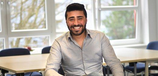 محمد، 22 سنة من سوريا. يتواجد في ألمانيا منذ يونيو 2015 ويعيش في بلدة يينا