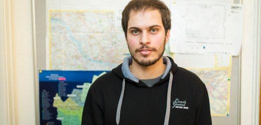 سجاد، 24 سنة من إيران. يتواجد في ألمانيا منذ سبتمبر 2015 ويعيش في هامبورغ