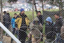 in-idomeni-harren-weiterhin-tausende-fluechtlinge-und-migranten-aus-