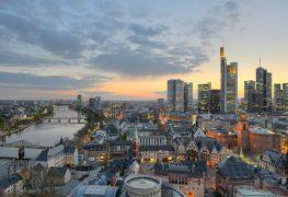 إطلالة مسائية على مدينة فرانكفورت
