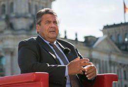 أرشيف - وزير الاقتصاد الألماني زيجمار جابريل