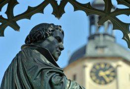 تمثال مارتن لوثر في ألمانيا