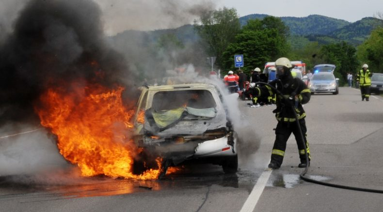 Autobrände richtig bekämpfen