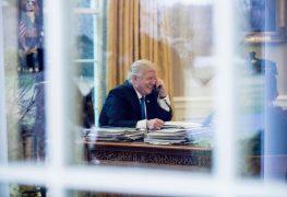 خلال الاتصال الهاتفي بين ترامب وميركل